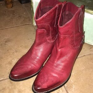 Shoes - Women's 9M red leather Cowgirl boots VGUC